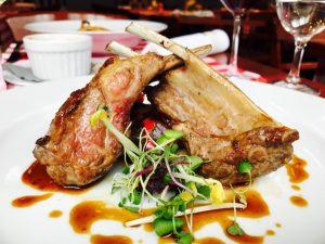 Lammkaree mit Ratatouille & Kartoffelgratin